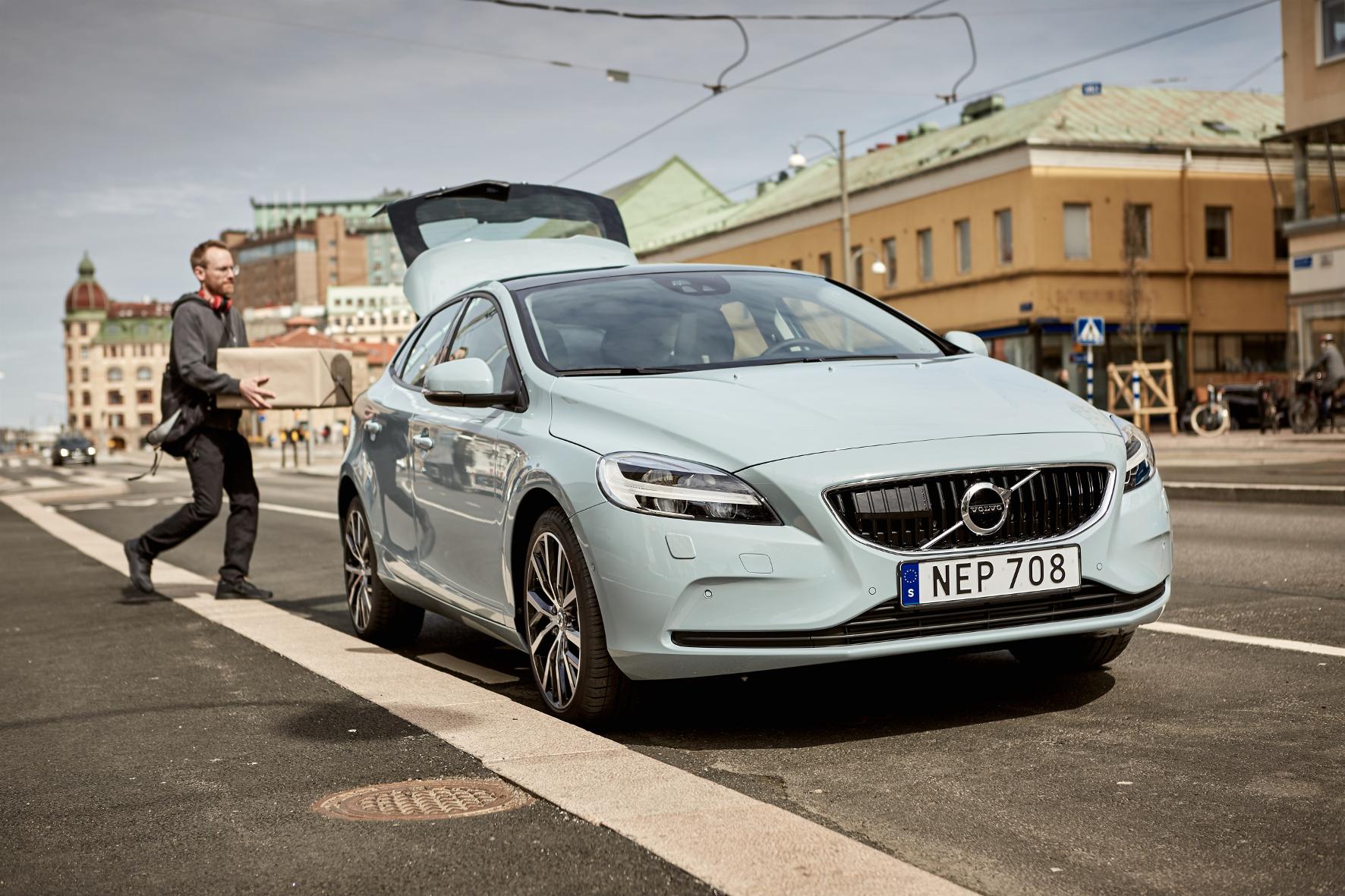 mid Groß-Gerau - Ein Volvo als Paketstation: Der schwedische Autobauer ermöglicht jetzt Blitzlieferungen von Online-Bestellungen innerhalb von nur zwei Stunden.