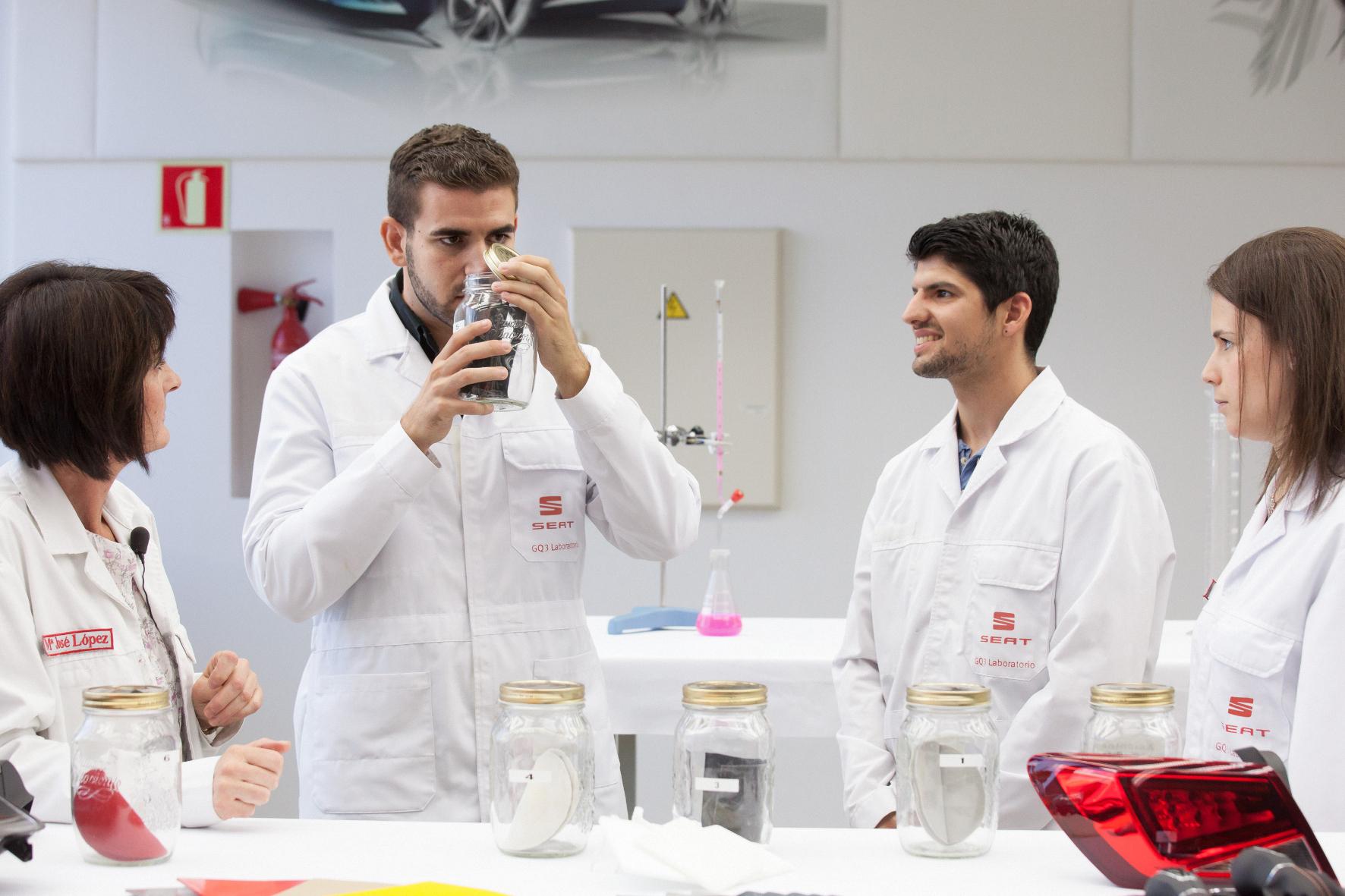 mid Groß-Gerau: Der Nasen-Faktor: Bei Seat ist ein Chemiker-Team dem perfekten Geruch für den Innenraum von Neuwagen auf der Spur.