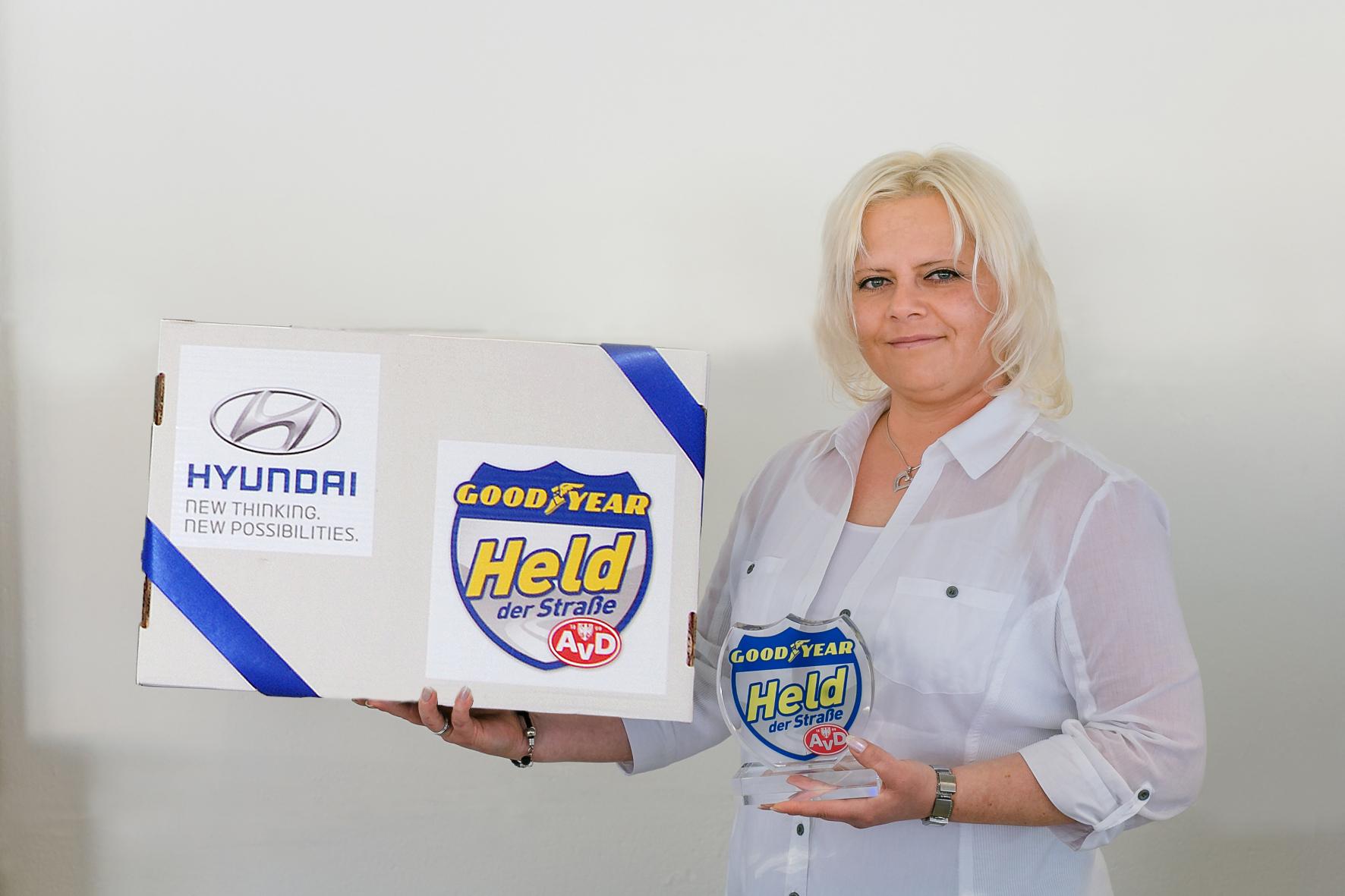 mid Groß-Gerau - Busfahrerin Marzena Szojda hat den Grizzlys Wolfsburg durch ihr schnelles Eingreifen das Leben gerettet und erhält dafür die Auszeichnung Held der Straße des Monats Mai.