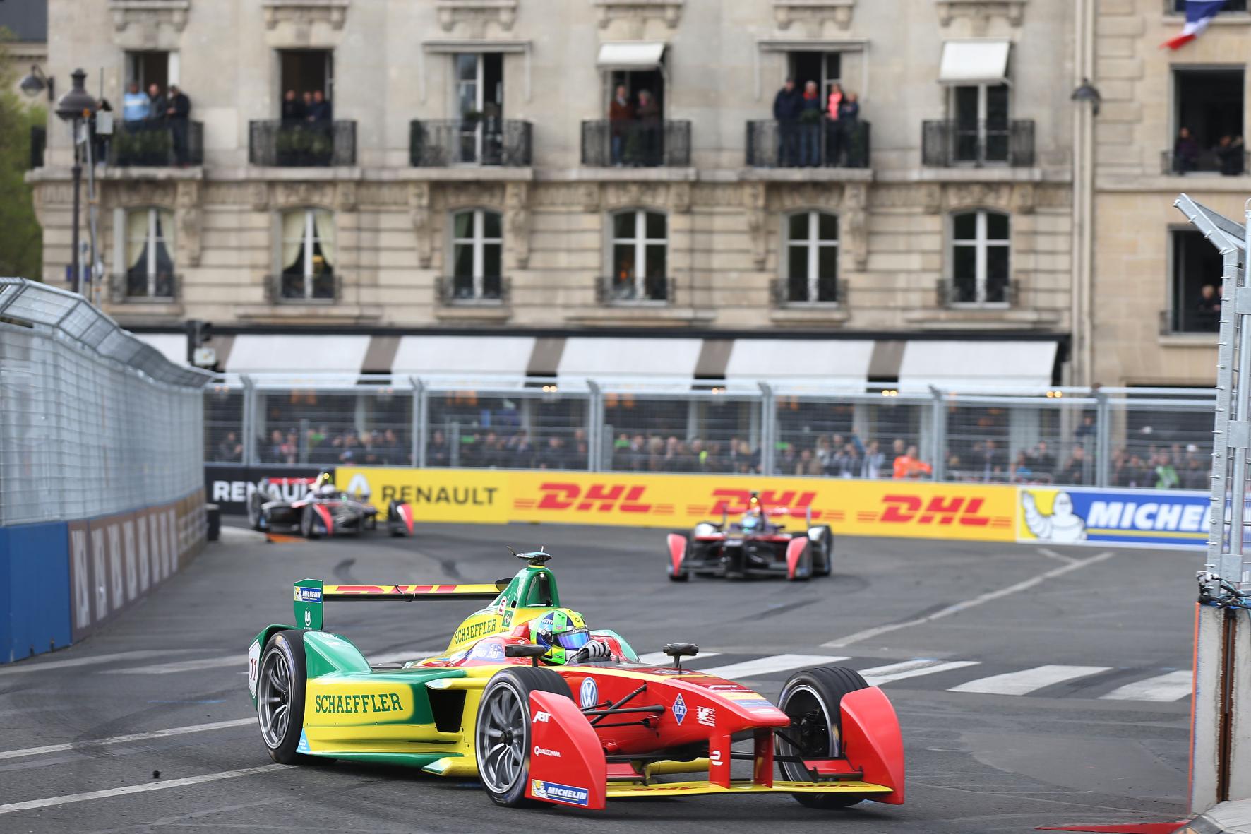 mid Groß-Gerau - Auf Titelkurs: Der Brasilianer Lucas di Grassi führt im Abt-Schaeffler die Fahrer-Wertung der Formel E an.