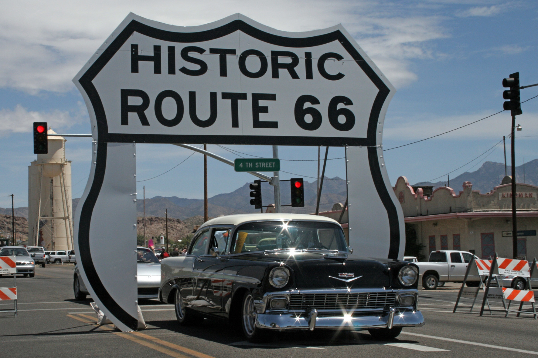 mid Groß-Gerau - Traumstraße: Knapp 4.000 Kilometer windet sich die Route 66 von Chicago bis nach Santa Monica.
