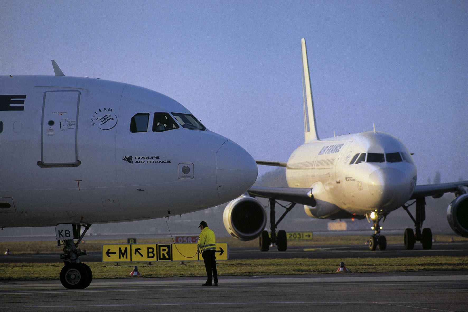 mid Groß-Gerau - Flüge in der Woche sind oft deutlich günstiger als an Wochenenden und Feiertagen. Wer also einen Tag früher oder später an- oder abreist, kann deutlich sparen.