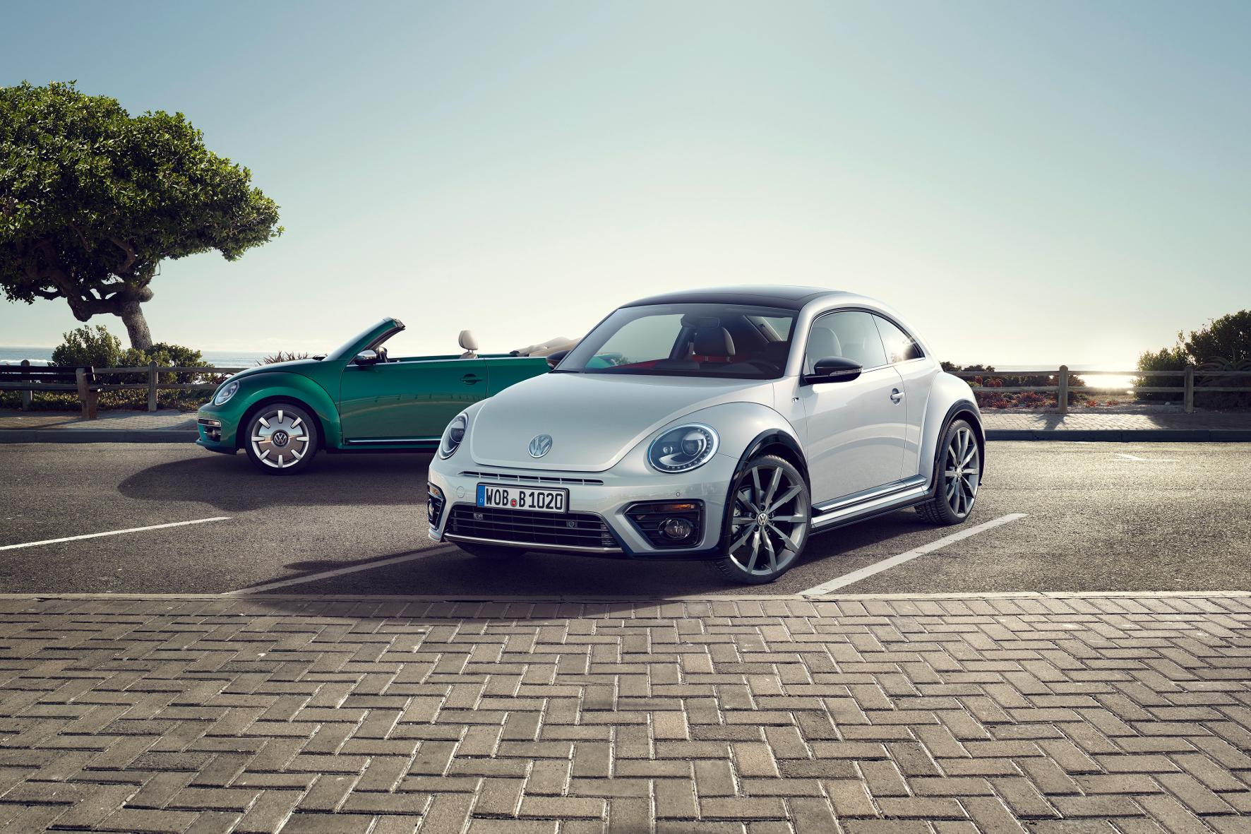 mid Groß-Gerau - Aufgefrischt der Sonne entgegen: Der VW Beetle und das Beetle Cabriolet.