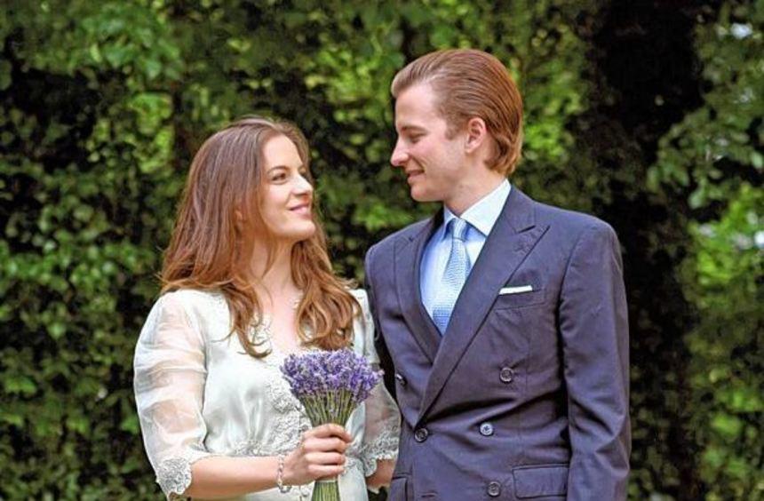 Cleopatra von Adelsheim und Franz-Albrecht zu Oettingen-Spielberg haben geheiratet.