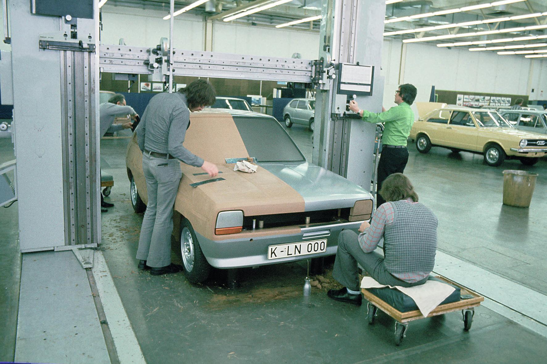 mid Groß-Gerau - Vom Projekt Bobcat zum erfolgreichsten Kleinwagen Europas: Die Entwicklung des Ford Fiesta startet 1974, bis zur Markteinführung vergehen zwei Jahre.