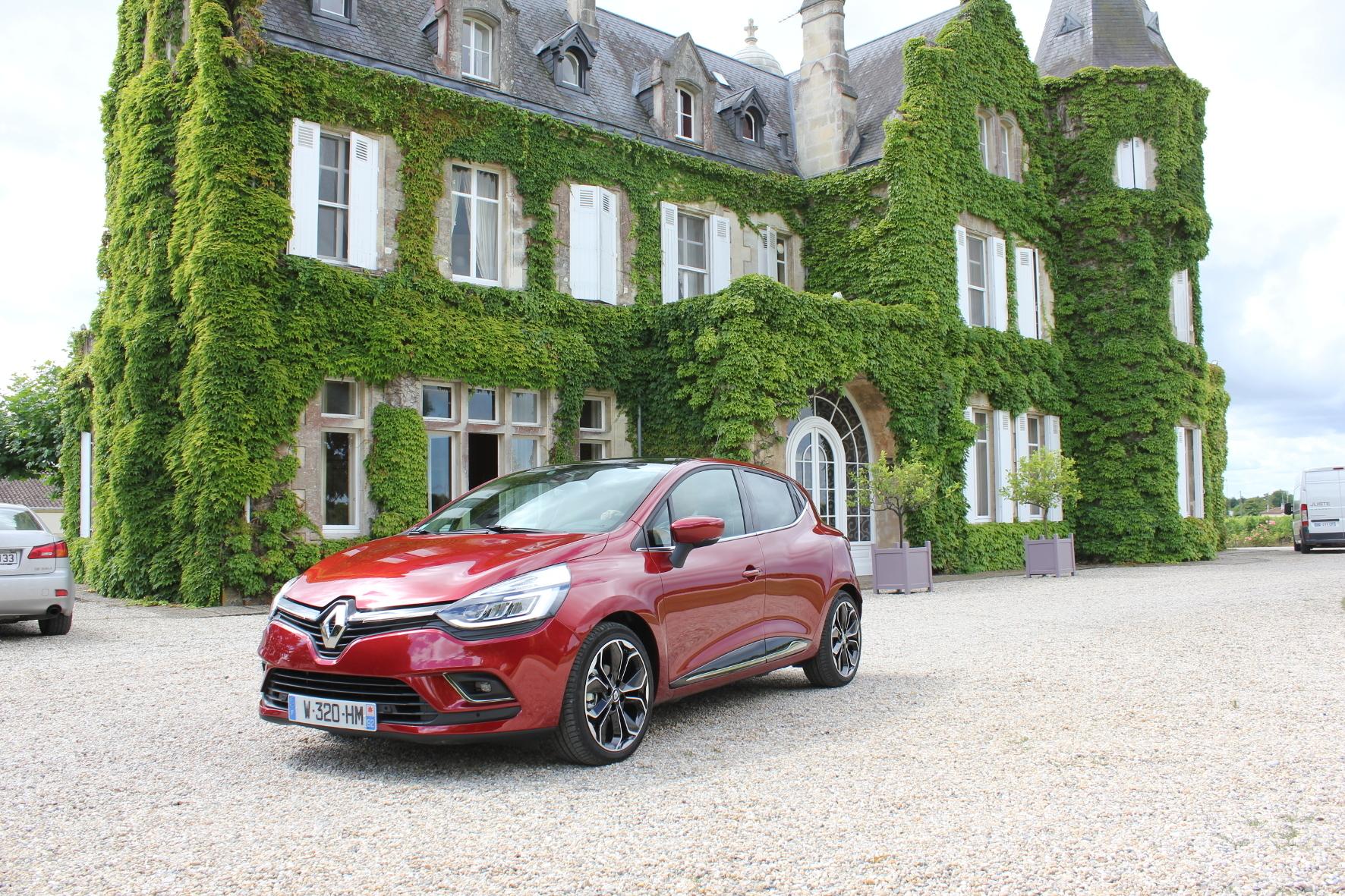 mid Bordeaux - Très chic: Renault hat beim Clio-Facelift das Skalpell nur sehr behutsam geschwungen.