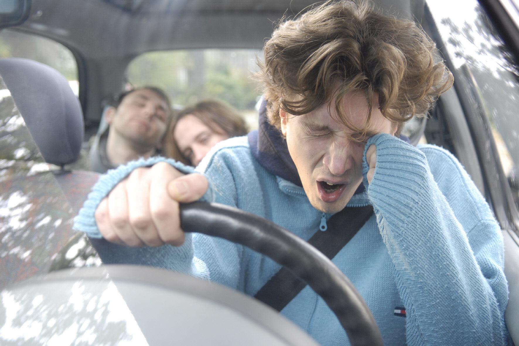 mid Groß-Gerau - Übermüdete Autofahrer bringen sich und andere Verkehrsteilnehmer in Lebensgefahr.
