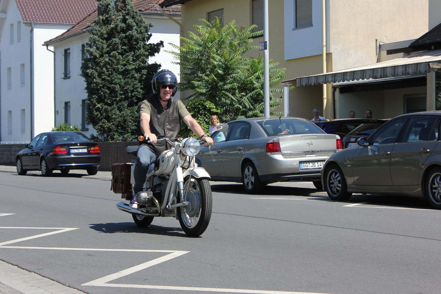 mid Groß-Gerau - Diesem Bike schaut jeder gerne hinterher: eine BMW R60/2 Baujahr 1967.