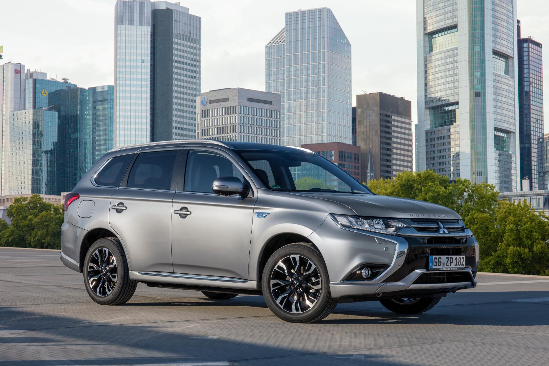 mid Groß-Gerau - Der Mitsubishi Outlander ist jetzt als Plug-in-Hybrid zu einem Preisvorteil von 6.000 Euro zu haben.