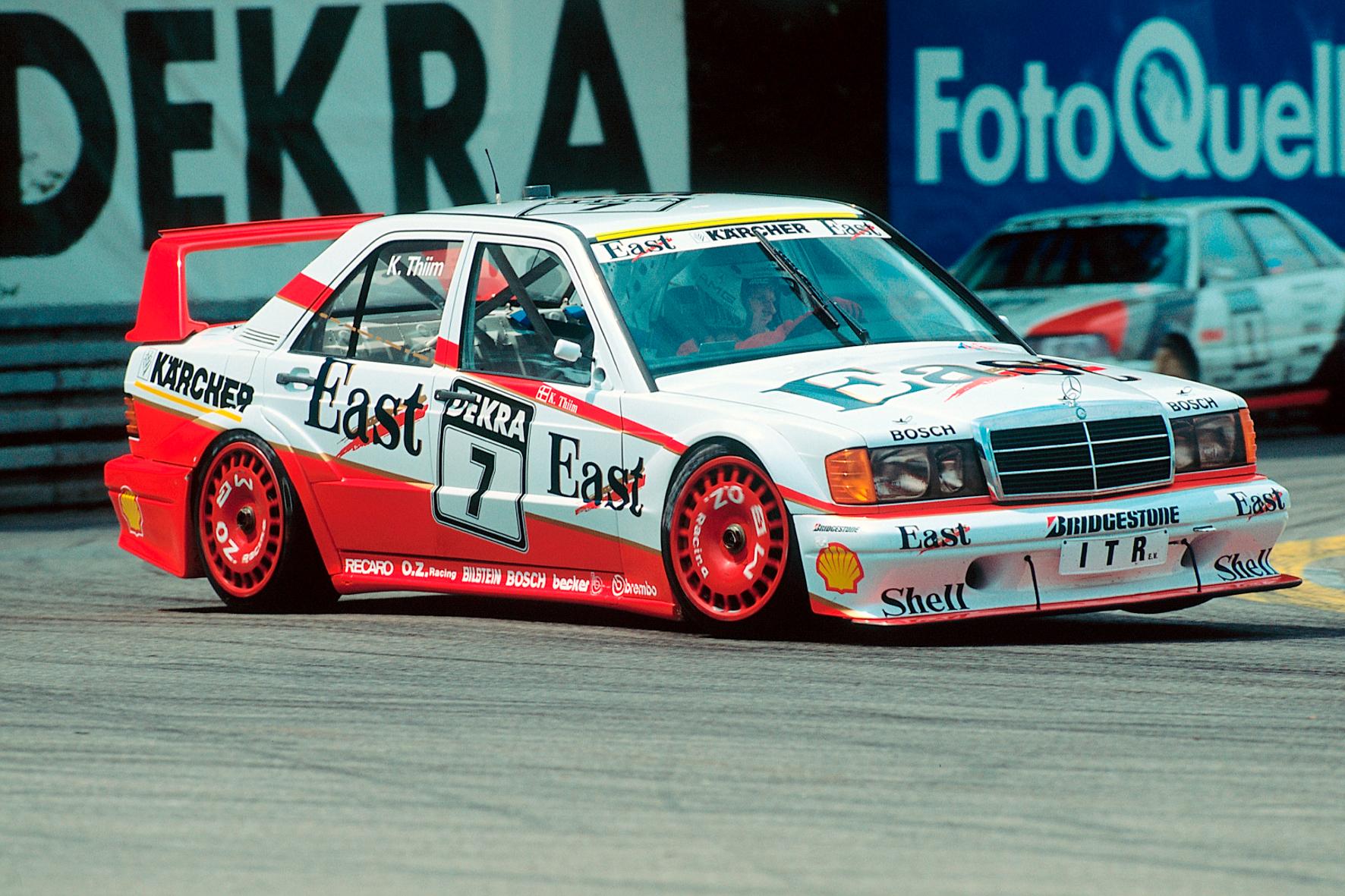 mid Groß-Gerau - Erinnerungen an die Tourenwagen-Saison 1991: Der Däne Kurt Thiim lässt den Mercedes-Benz 190 E 2.5-16 Evo II fliegen.