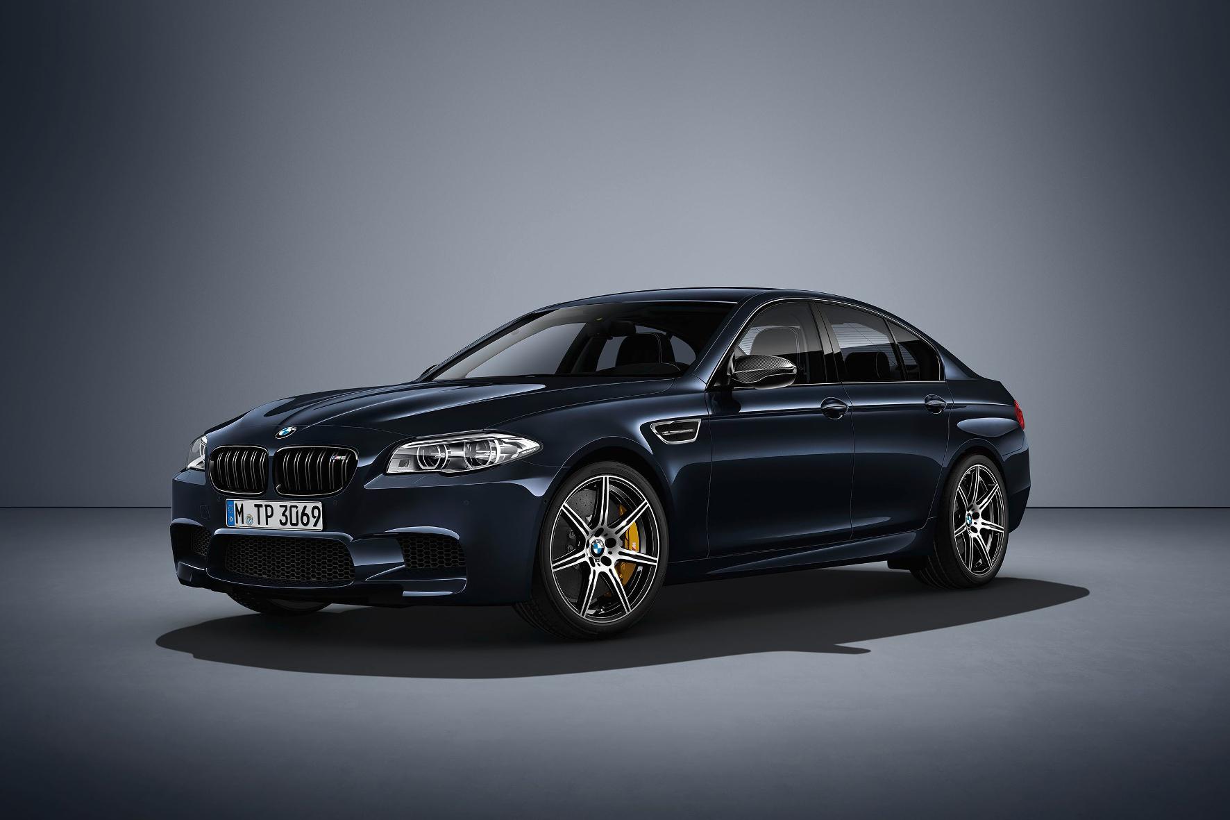 """mid Groß-Gerau - 100 Exemplare der auf 200 Stück limitierten BMW M5 """"Competition Edition"""" sind in Carbonschwarz metallic lackiert."""
