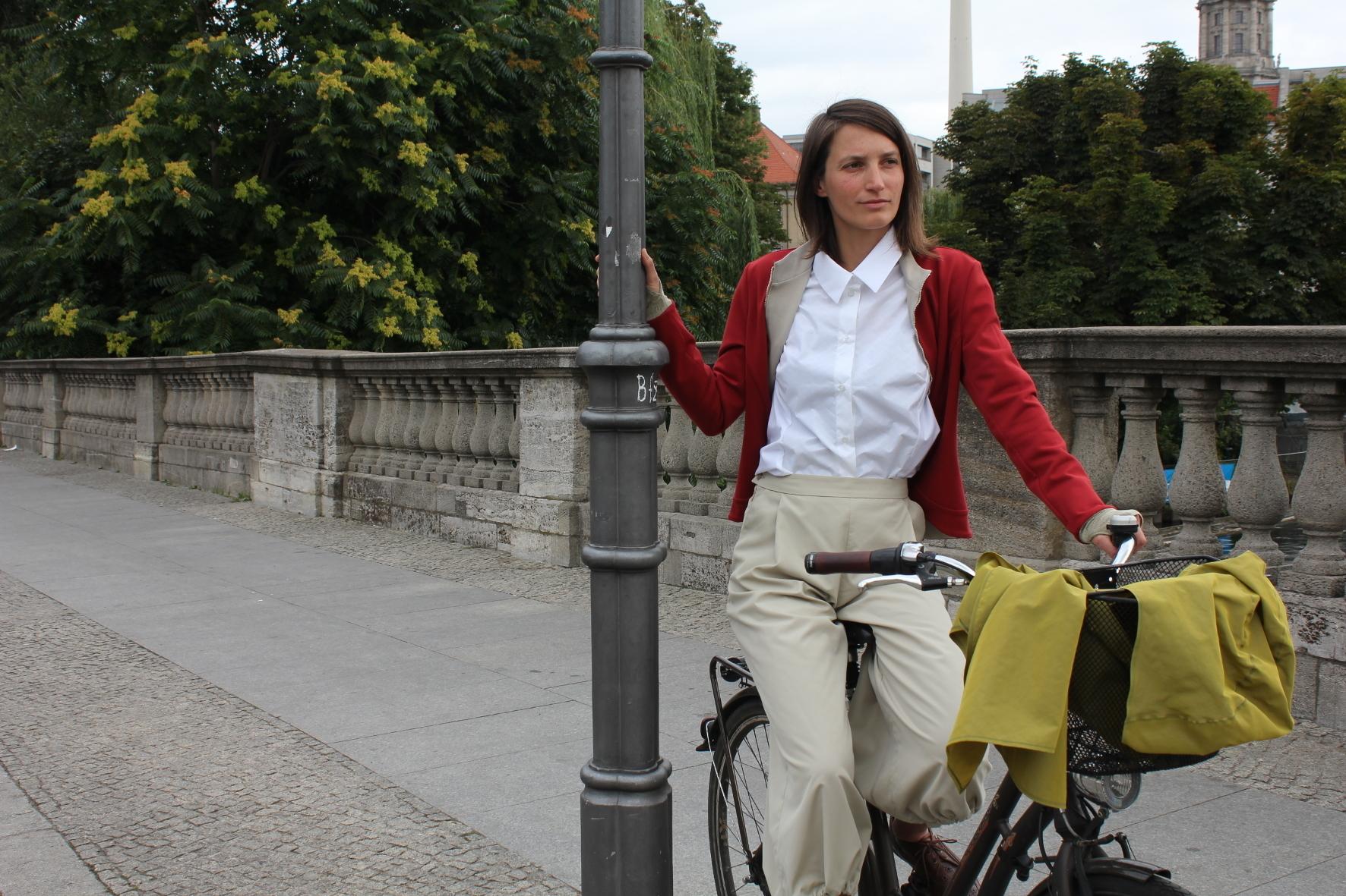 mid Groß-Gerau - Das kann sich sehen lassen: Junge Designerinnen haben nun Kleidungsstücke vorgestellt, die sowohl fürs Business als auch das Radeln taugen.