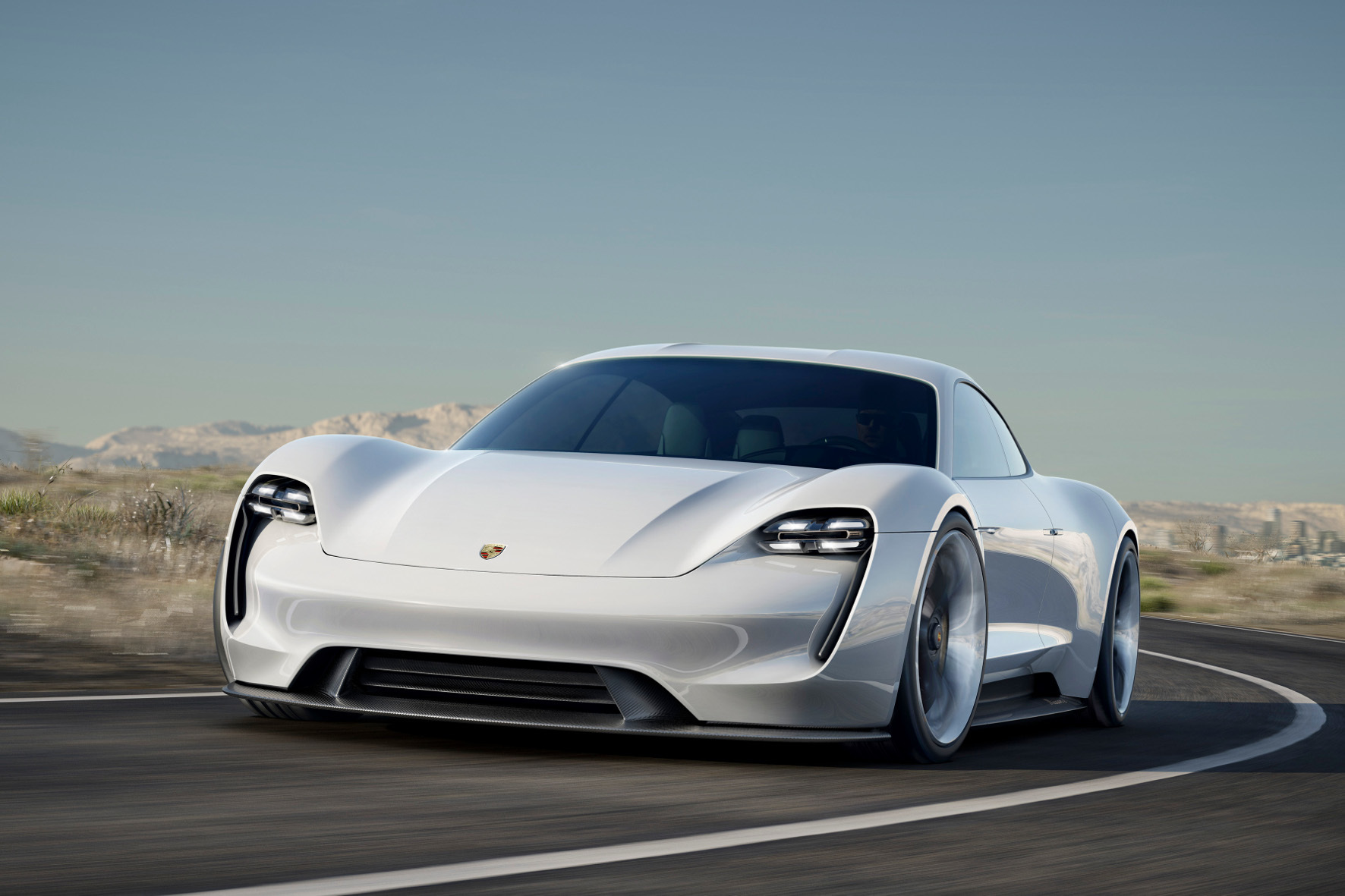 """mid Groß-Gerau - Porsches Traum vom rein elektrischen Sportwagen heißt """"Mission E"""". Ende des Jahrzehnts soll die mehr als 600 PS starke Studie Realität werden."""