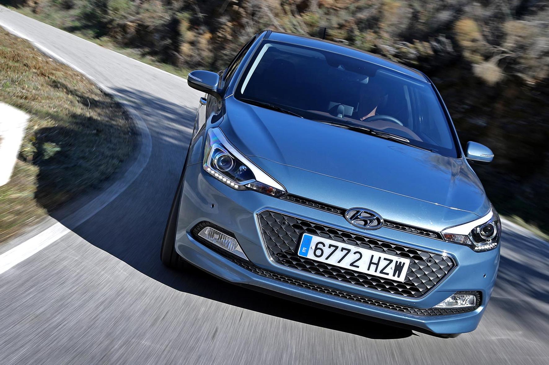 mid Groß-Gerau - Hyundai bietet den Kleinwagen i20 mit einem Motor an, der nur noch drei statt der früher üblichen vier Zylinder hat.