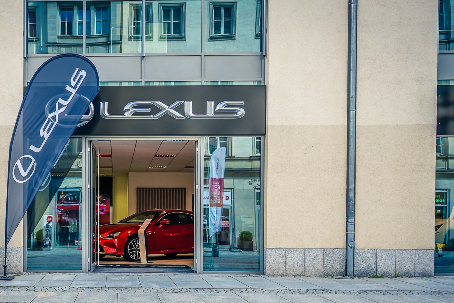 mid Groß-Gerau: Offene Türen für Auto-Fans mitten in der City.