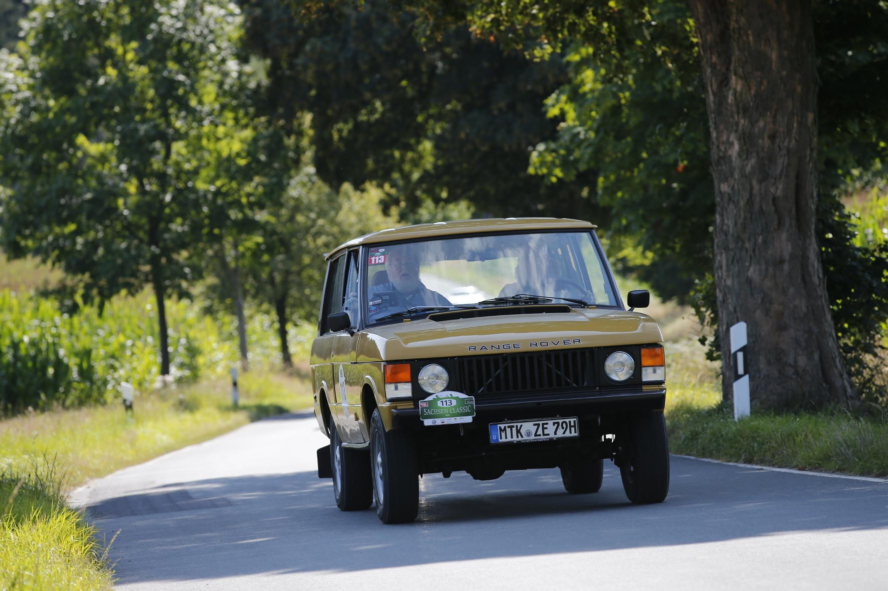 mid Chemnitz - SUV-Urahn: Der Range Rover galt und gilt als ebenso geländetauglich wie stilistisch gelungen.