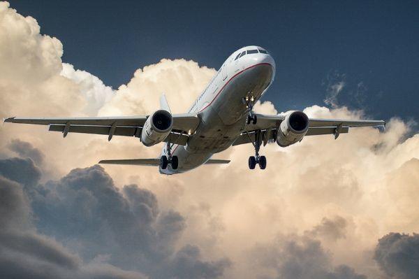 mid Groß-Gerau - Die Mehrheit der Passagiere würde künftig auch auf Flügen gerne Zugang zum Internet haben.
