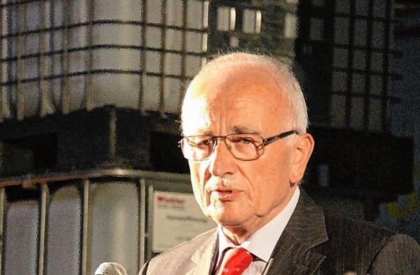 WUfV-Sprecher Wolfgang Hofmann (l.) verbuchte mit knapp 200 Gästen einen neuen Teilnehmerrekord. ...