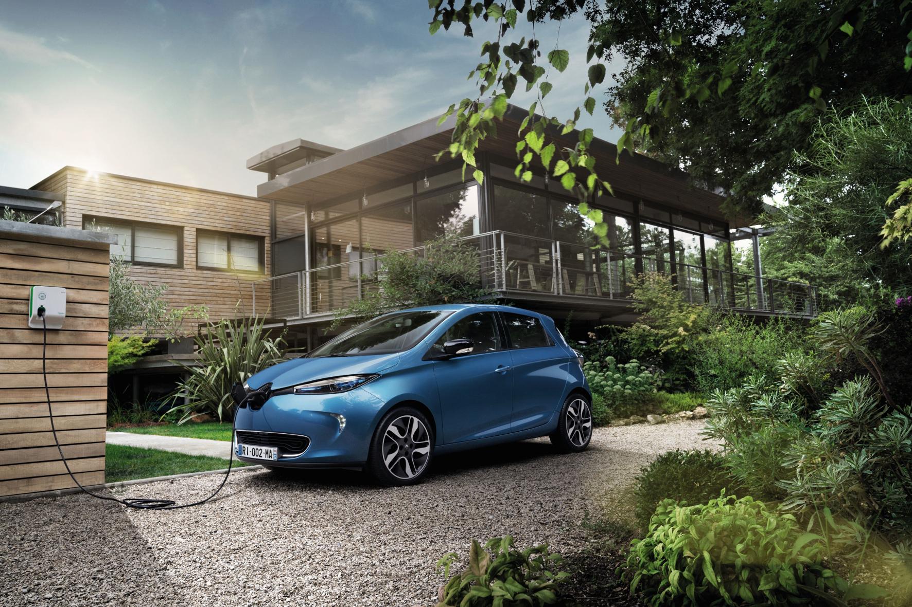 mid Groß-Gerau - Mehr Reichweite: Mit einer neuen Batterie kommt der Renault Elektrowagen Zoe jetzt bis zu 400 Kilometer weit.