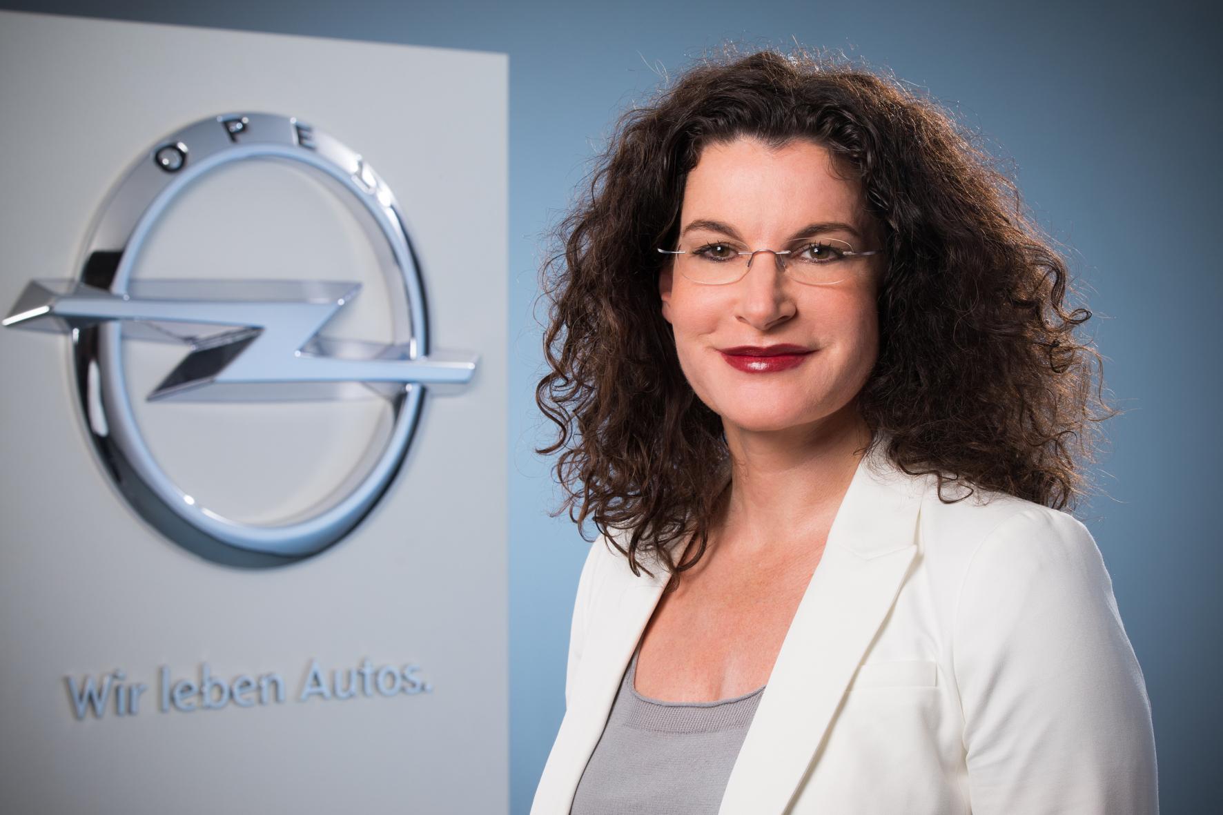 mid Paris - Seit drei Jahren an Bord und schon viel bewegt: Opel Marketing-Chefin Tina Müller hat die Marke umgeparkt.