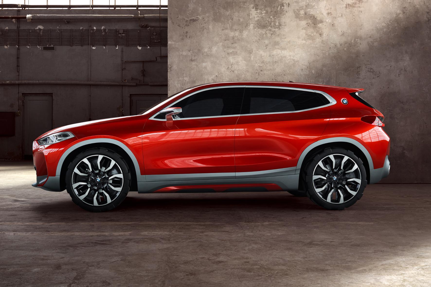 Paris - Expressives Design, das gut in eine Lücke passt: Das in Paris gezeigte SUV Concept X2 würde die kompakten X-Baureihen von BMW sinnvoll ergänzen.