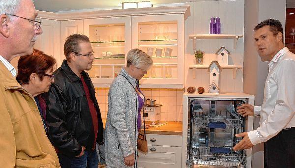 technik komfort und design perfekt abgestimmt oftersheim schwetzinger zeitung hockenheimer. Black Bedroom Furniture Sets. Home Design Ideas