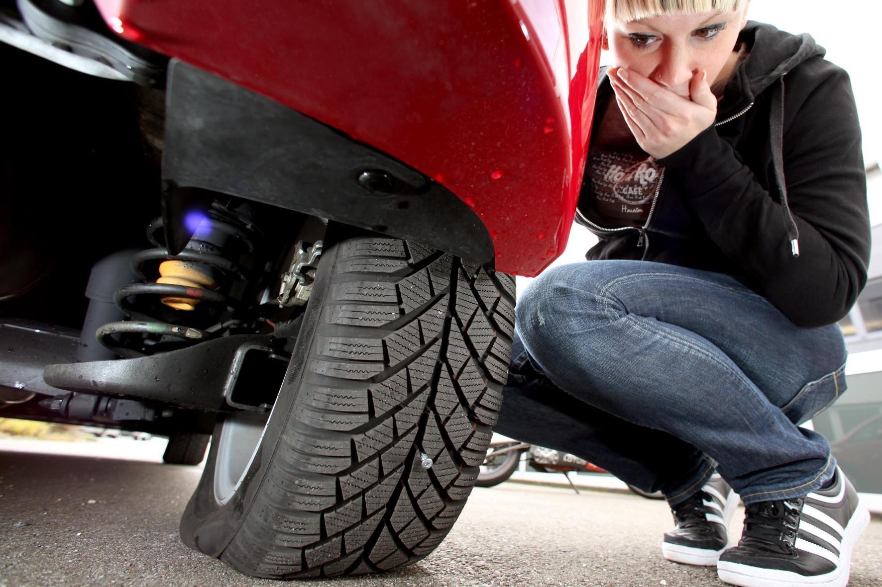 mid Groß-Gerau - Selbst ist der Mann oder die Frau: Auch wenn es hin und wieder mal eine Panne gibt, wechseln viele Autofahrer gerne selbst die Reifen.