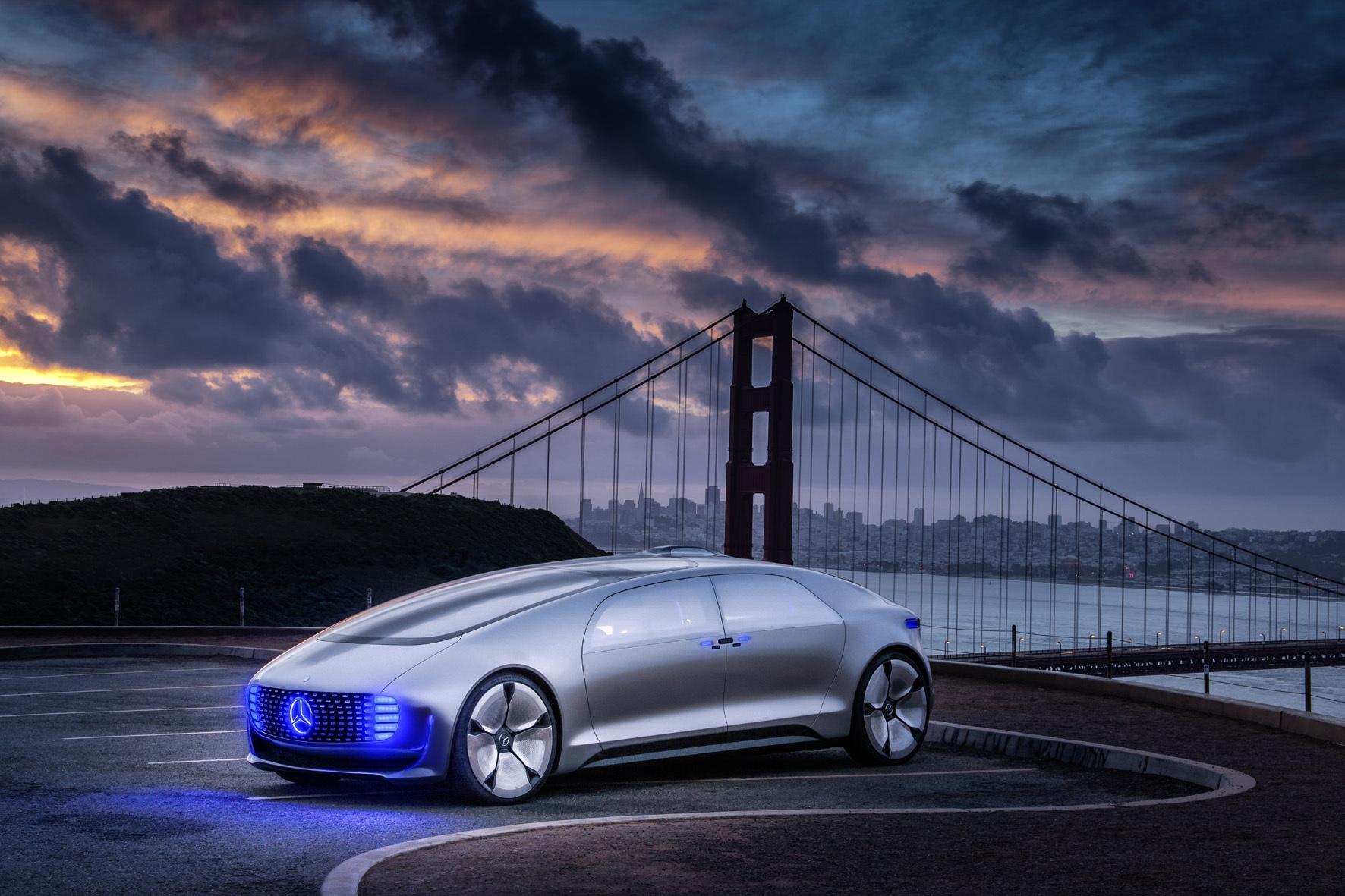 mid Groß-Gerau - Dunkle Wolken hängen derzeit über dem Megatrend Autonomes Fahren. Daimler ist wegen Aussagen zur Programmierung in der Kritik, zu Recht?