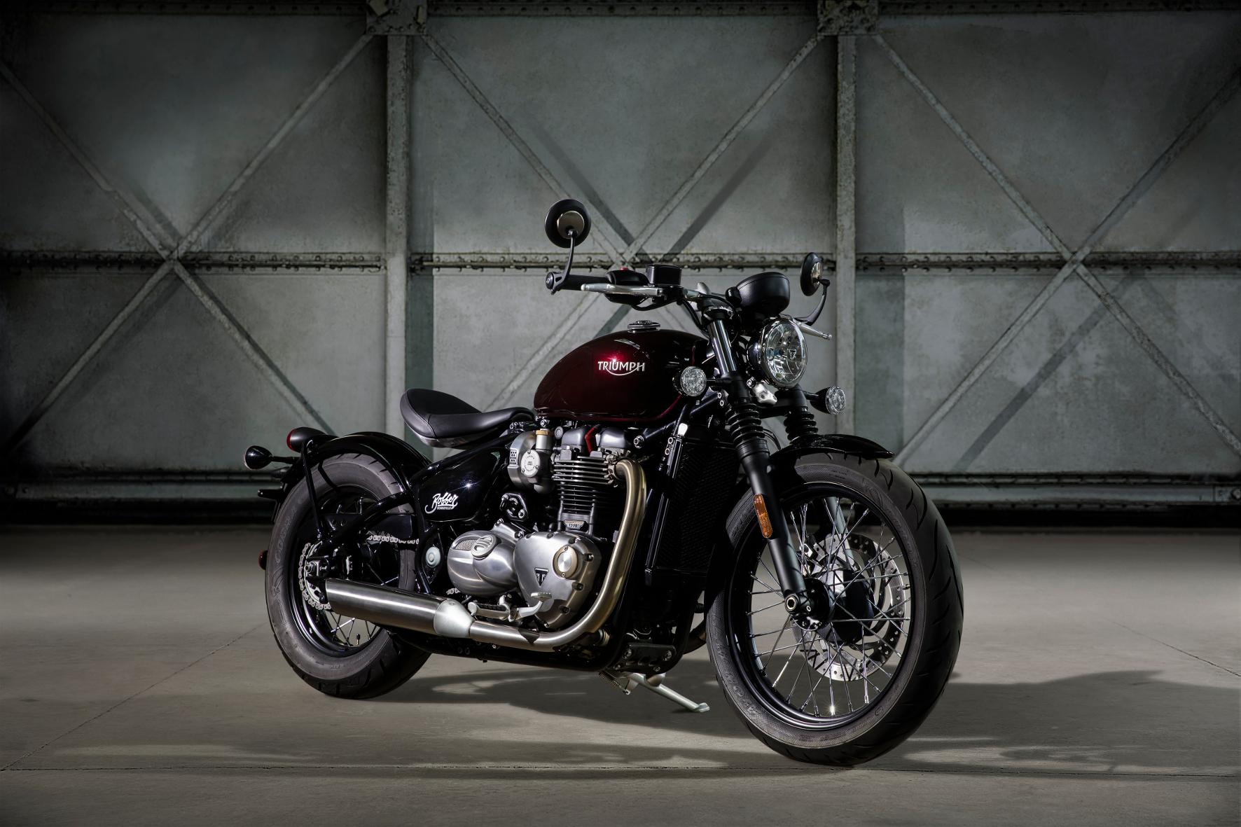 mid Groß-Gerau - Die neue Triumph Bonneville Bobber verbindet puristisches Motorradfahren mit klassischen Design-Zitaten.