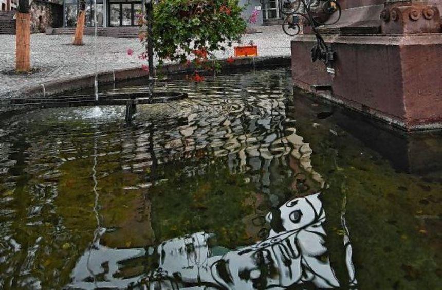 Einige Bensheimer befürchten, dass die Planungen rund ums Haus am Markt ein Schlag ins Wasser ...