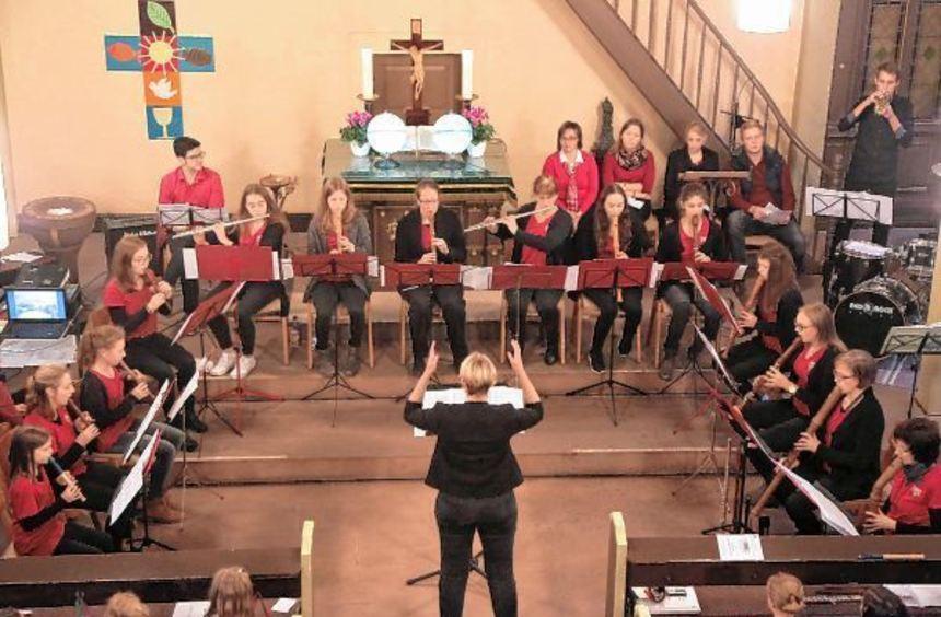 Die Flötenkreise des CVJM Reilingen unter der Leitung von Anke Palmer reisten musikalisch von ...