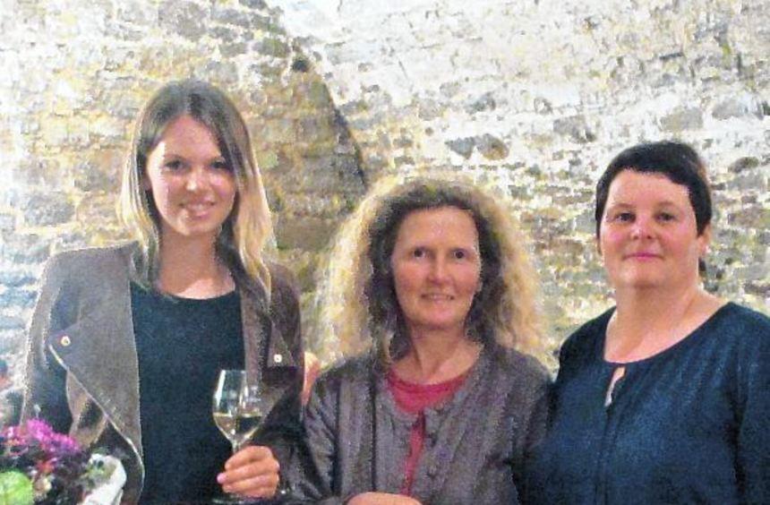 Sie trugen ihren Teil zum Gelingen des Abends bei (von links) Theresa Olkus, Bärbel Buß und Andrea ...