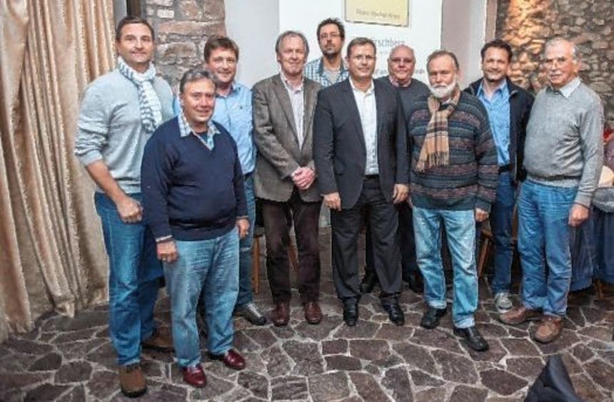 Windkraftgegner aus der Region trafen sich in Hirschberg, um der dortigen Bürgerinitiative zum ...