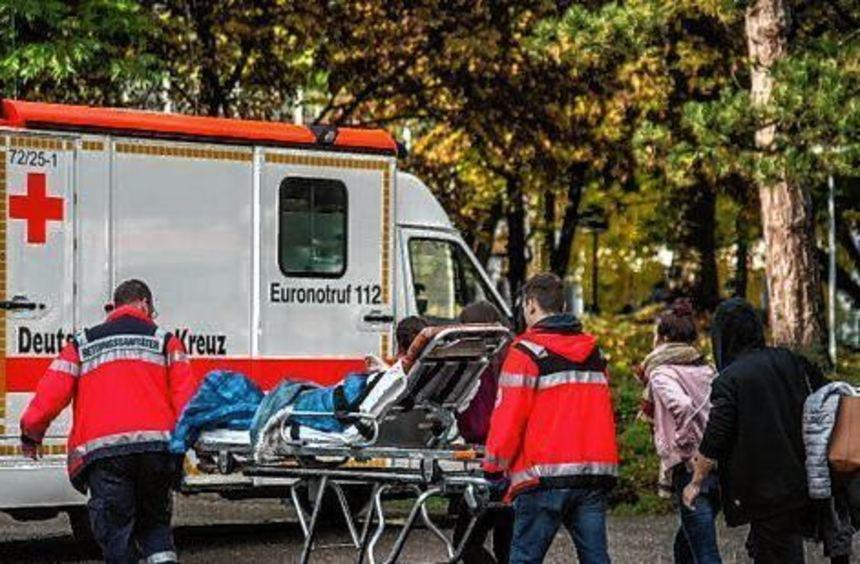 Die verletzten Schüler mussten in Krankenhäuser gebracht werden.