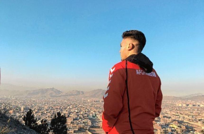 Im Dezember 2015 betritt Hassan Amin mit der afghanischen Nationalmannschaft zum ersten Mal das ...