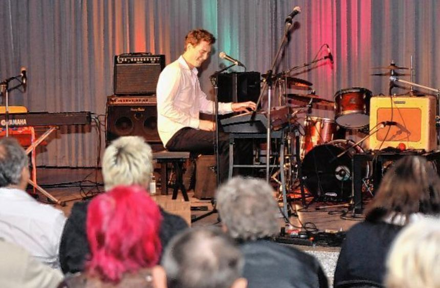 Dan Popek studiert an der Mannheimer Musikhochschule und durfte vor dem Auftritt des Blues-Rockers ...