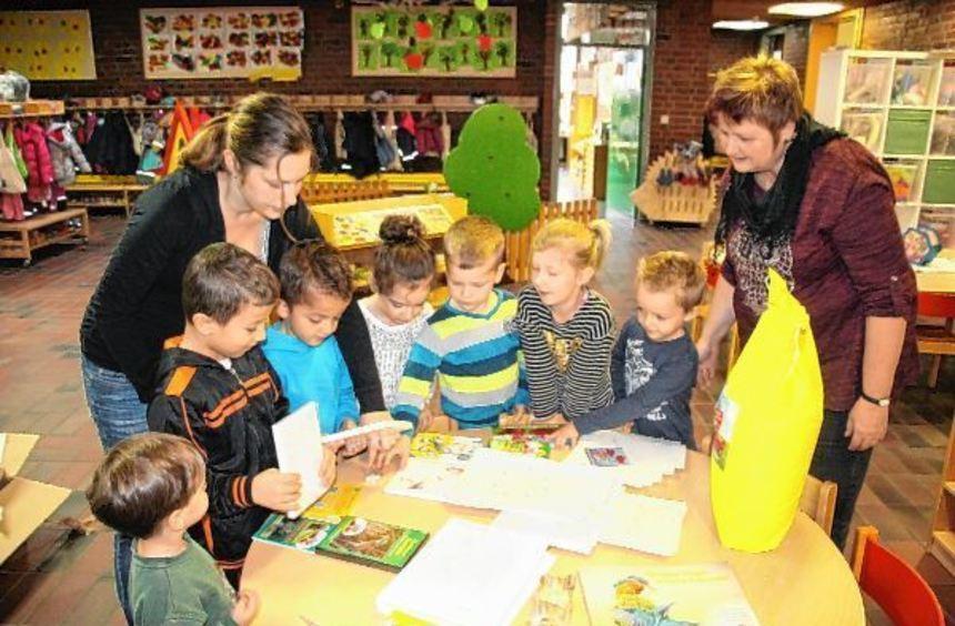 Begeistert begutachteten die Kinder in der Tagesstätte Kleeblatt das Geschenk von Town & Country ...