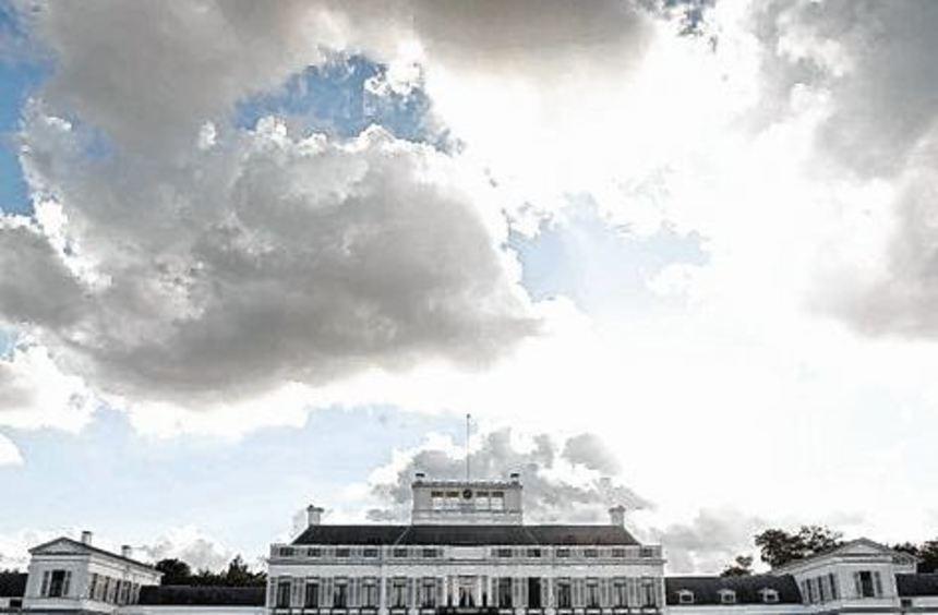 Von 1971 bis 2004 lebte die ehemalige Königin Juliana in dem Palais.