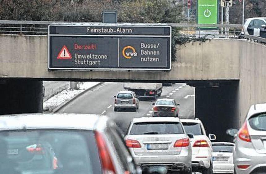 Für Autofahrer gilt der Alarm in Stuttgart erst ab morgen.