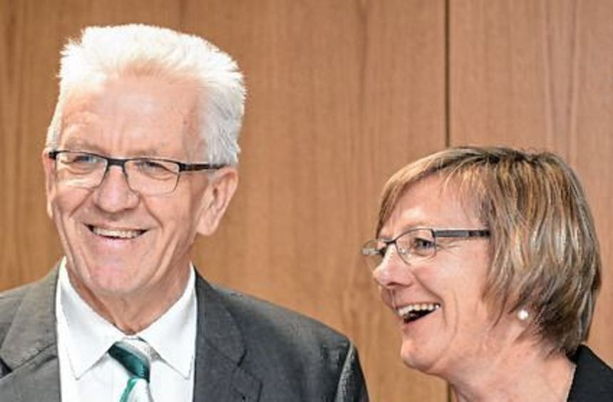 Winfried Kretschmann und Finanz-ministerin Edith Sitzmann.
