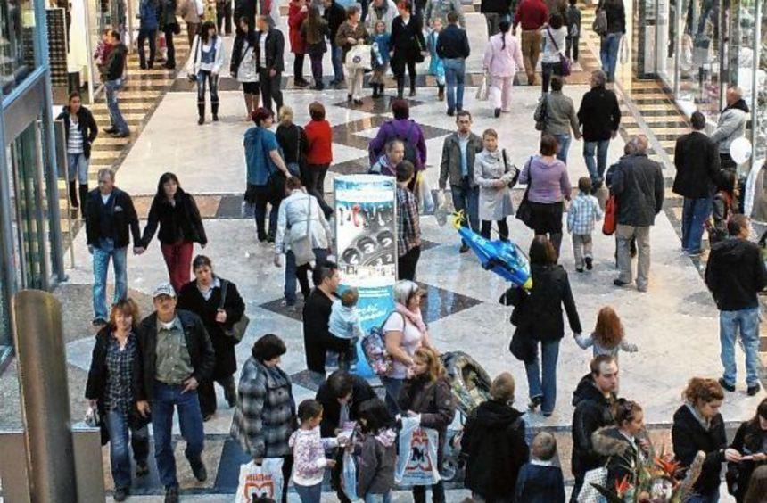Auch die Kaiserpassage lädt Besucher der Wormser Innenstadt am Mantelsonntag, 30. Oktober, zum ...