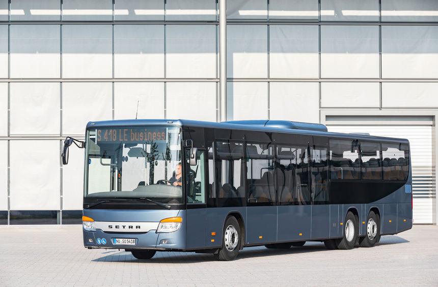 mid Groß-Gerau - Der 14,6 Meter lange Setra S 418 LE business bietet 61 Sitzplätze für den ...