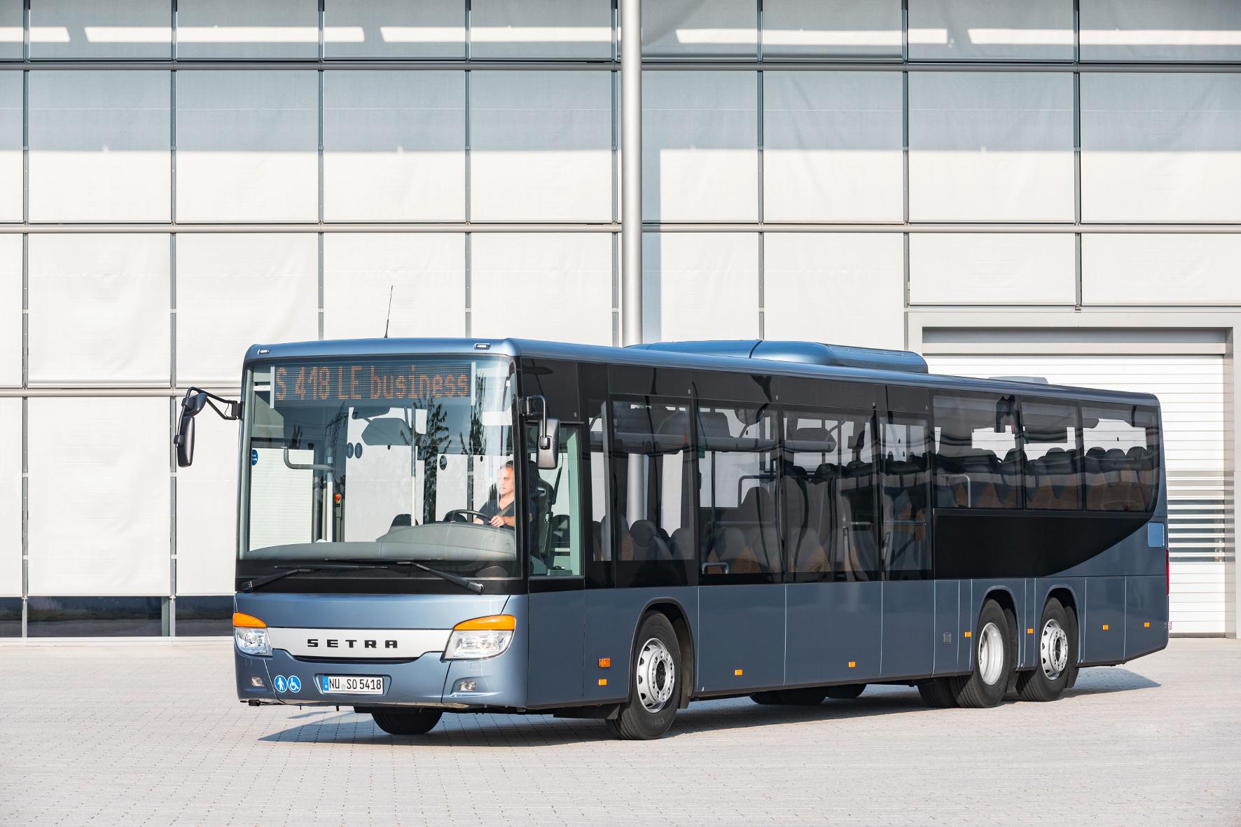 mid Groß-Gerau - Der 14,6 Meter lange Setra S 418 LE business bietet 61 Sitzplätze für den innerstädtischen Verkehr und den Überland-Einsatz.