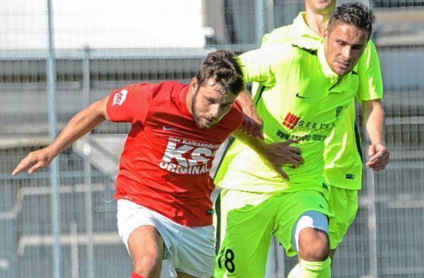 Sebastian Lindner (rechts) gegen Marco Degenhardt vom TSV Auerbach.