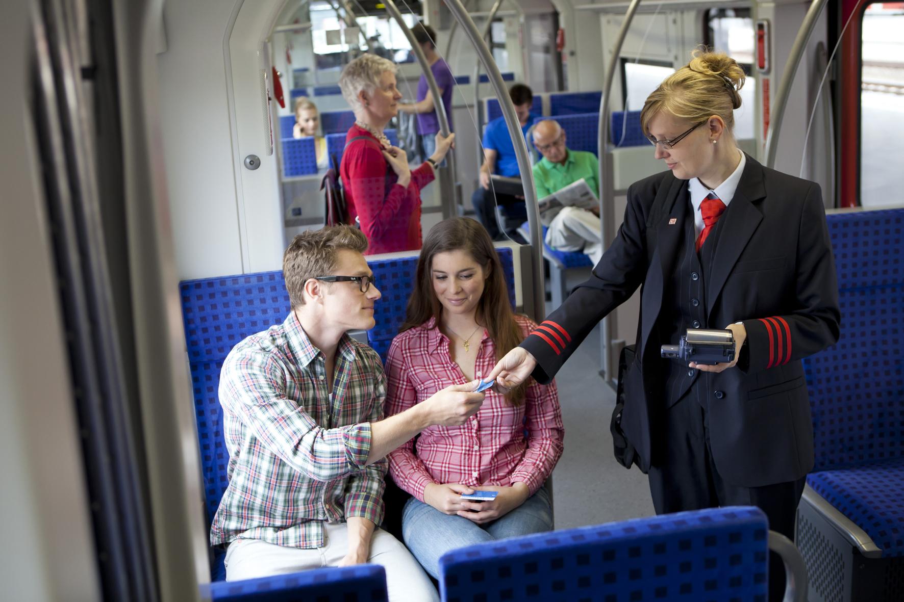 mid Groß-Gerau - Nicht immer geht es im Zug so zivilisiert her wie hier. Daher hat in-tech jetzt eine Notruf-App für Bahnfahrer entwickelt.