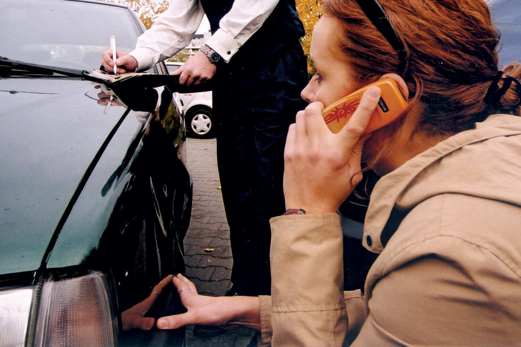 mid Groß-Gerau - Recht auf Unversehrtheit: Wer einen Neuwagen kauft, muss Kratzer oder Beulen des Fahrzeugs nicht in Eigenregie reparieren lassen.