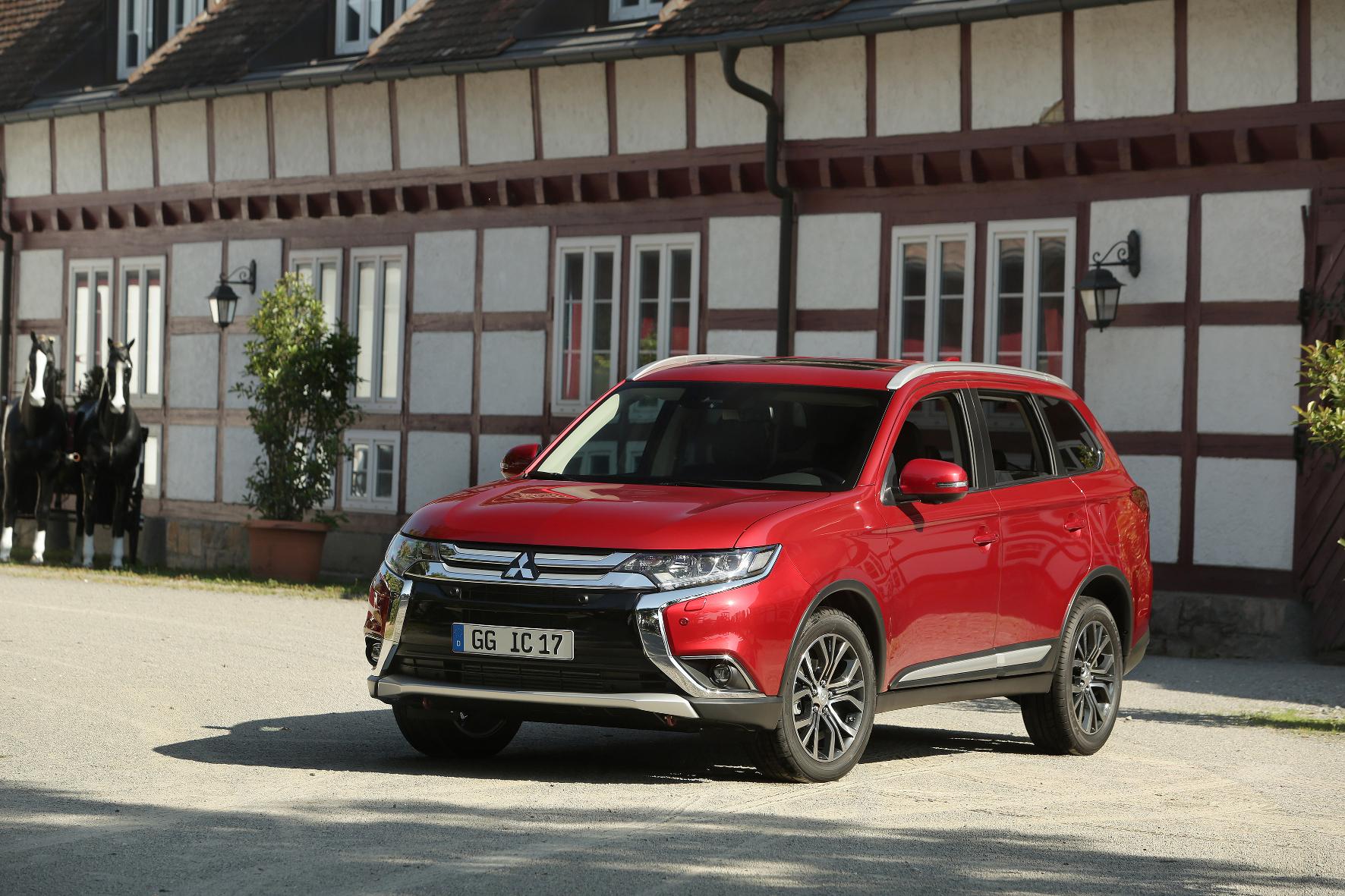 mid Groß-Gerau - Kosmetischer Feinschliff: Mitsubishi hat seinem SUV Outlander ein Facelift verpasst. Die Frontpartie ist mit reichlich Chrom verziert.