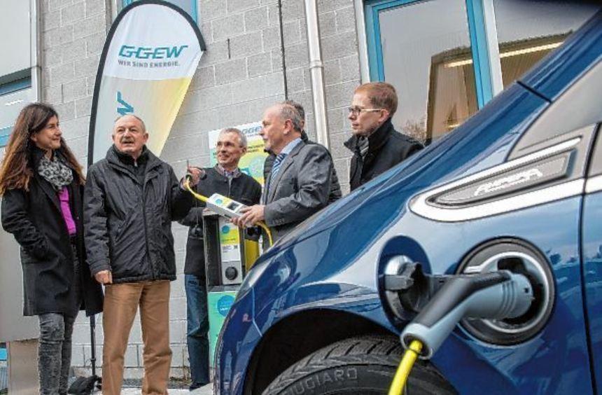Neue Ladestation für E-Fahrzeuge an der Metzendorf-Schule in Bensheim.