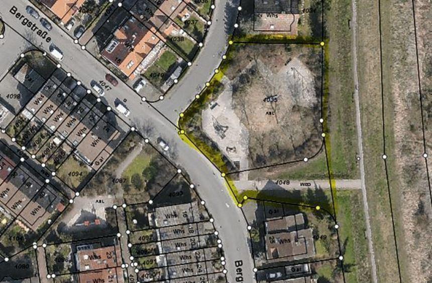 Der Spielplatz Bergstraße I (rechts) soll aufgegeben werden, um hier Wohnraum zu schaffen. Viele ...