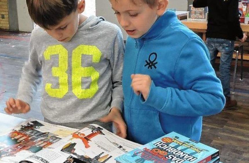 Nach Klassenstufen geordnet fanden die Grundschüler den für sie geeigneten Lesestoff.